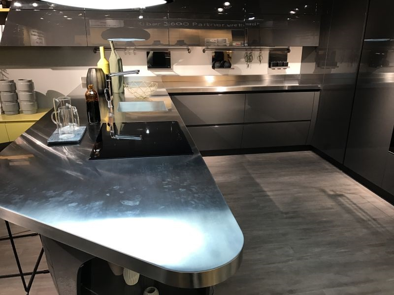 Scavolini-stainless-steel-countertop-kitchen